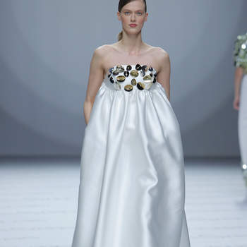 Isabel Sanchis. Créditos: Barcelona Bridal Fashion Week