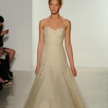Свадебное платье с декольте сердечко от Christos 2015