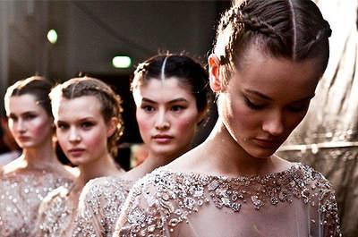 Modelos en el backstage de Elie Saab Alta Costura 2012. Foto: Elie Saab