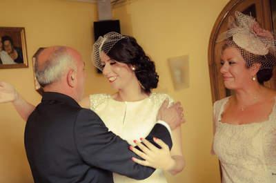 ¿Cómo reaccionan los padres al ver a su hija vestida de novia? ¡Emotivas imágenes!