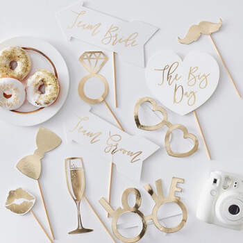 Atrezzo para photocall oro boda 10 unidades- Compra en The Wedding Shop