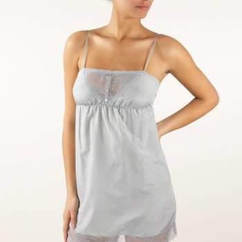 Fazer a mala para a lua-de-mel pode ser uma dor de cabeça. Queremos estar lindas em todos os momentos, por isto selecionamos as camisolas da Etam 2012. Perfeitas para se sentir femininas e atraentes sem perder o conforto.