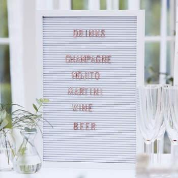 Tablón de anuncios con letras- Compra en The Wedding Shop