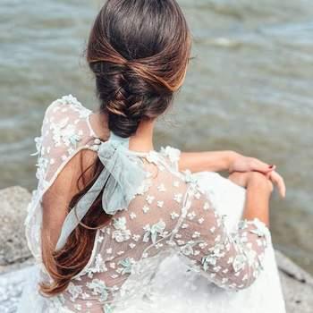 Penteado para noiva com trança embutida | Foto: Sara Instyle