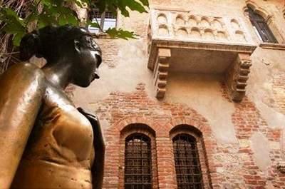 Il Balcone di Giulietta, l'eroina shakesperiana protagonista di una storia d'amore immortale, in Via Cappello 23 a Verona