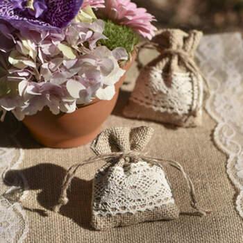 Bolsas De Yute Con Encaje 4 unidades- Compra en The Wedding Shop
