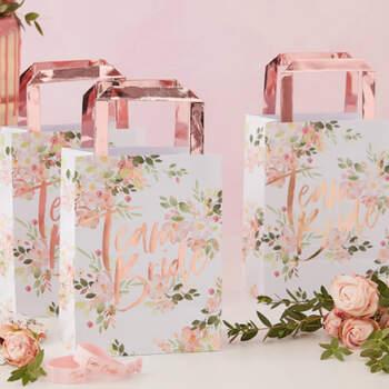 Bolsos equipo novia floral 5 unidades- Compra en The Wedding Shop