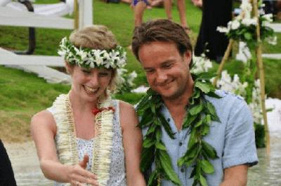 Una pareja se casa 30 veces alrededor del mundo, ¿excentricidad o romanticismo?