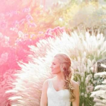 Há uma vasta gama de decotes assimétricos à sua escolha: são perfeitos para noivas com a cintura mais larga. Foto: Laura Goldenberger