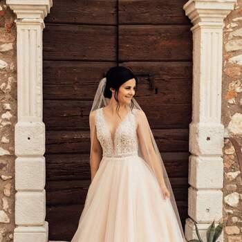 Second Hand Brautkleid, erhältlich im Online-Shop. ID: 303065