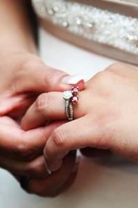 Cosas que no sabías sobre tu anillo de compromiso