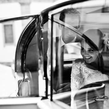 «Seleccionei esta imagem como a minha foto preferida pela sua naturalidade aliado ao sorriso genuíno da noiva que se mostrava ainda rendida ao momento. Agrada-me a complexidade da imagem que permite uma leitura pouco previsível e não imediata prendendo o espectador a procurar entendê-la.»  www.momentocativo.com