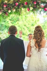 ¿Cómo puedo reducir el presupuesto del matrimonio?