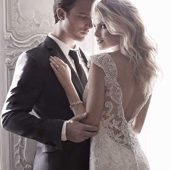 """<a href=""""http://www.maggiesottero.com/dress.aspx?style=5MS077&amp;page=0&amp;pageSize=36&amp;keywordText=&amp;keywordType=All"""" target=""""_blank"""">Maggie Sottero</a>"""