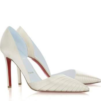 Los zapatos de novia son el complemento más femenino del look de bodas. Delicados, estilizados y elegantes, estos hermosos diseños darán personalidad a tu traje, y un toque de distinción único. Foto: Christian Louboutin