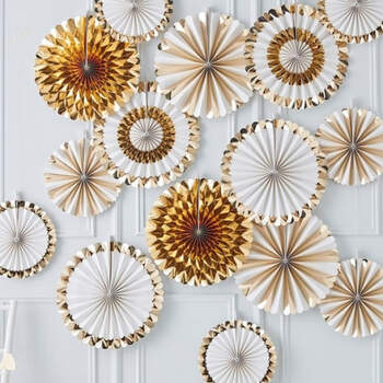 Rosetas decorativas oro boda 15 unidades- Compra en The Wedding Shop