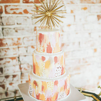 Inspiração para bolos de casamento modernos que são uma verdadeira obra de arte | Créditos: Ella Florence Photography