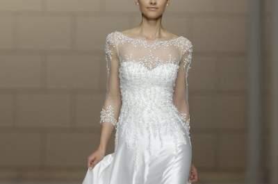 Incroyable défilé Pronovias avec une collection de robes de mariée éblouissante à la Barcelona Bridal Week