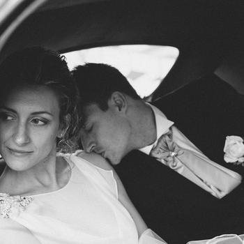 Questa foto mi piace perché rispecchia uno stile elegante e romantico, non è la solita foto di matrimonio.  E' questa la tua foto preferita? Lascia un commento qui sotto, votando per la numero 6