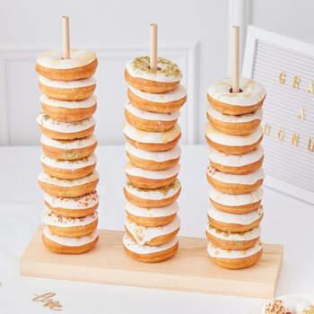 Puerta donuts en madera- Compra en The Wedding Shop