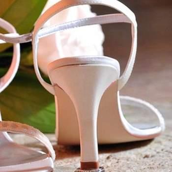 """<a title=""""Sapatos Net-a-Porter"""" href=""""https://www.zankyou.pt/v/tendencias-sapatos-primaveraverao-2012-by-net-a-porter"""" target=""""_blank"""">Não perca o belíssimo anúncio da Net-a-Porter para a sua colecção de sapatos Primavera/Verão 2012</a>"""