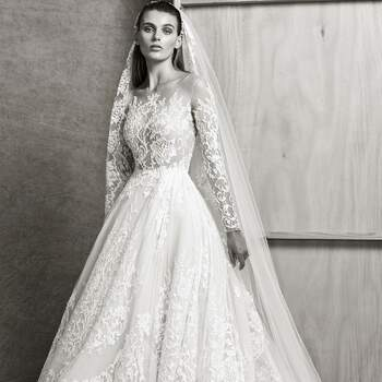 Christina with veil, Zuhair Murad