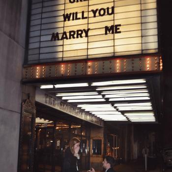 Credits : Instagram @weddingproposals
