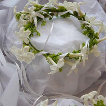 Pour les demoiselles d'honneur : couronnes de jasmin
