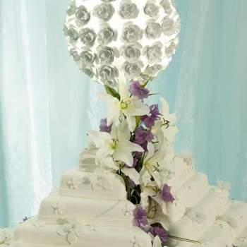 O tradicional bolo de casamento sempre está presente, não importa o estilo, formato ou sabor. Os bolos do ateliê de Teresita Chuecos não são nada tradicionais. Perfeitos para que busca algo diferente e ousado.