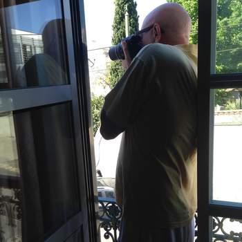 «Feliz dia paizinho! @carlosmsneves  Relembro aqui umas das minhas fotos preferidas do meu pai: ele a ver o menu do dia do tasco da rua! Respect ! Gosto-te muito» | Foto reprodução Instagram @paulanevesoficial