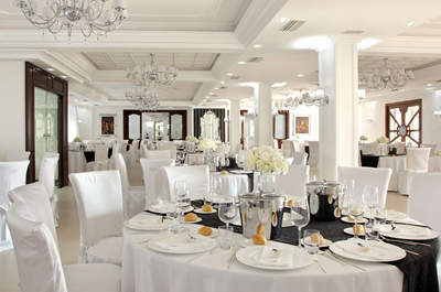 Tie the knot at Villa Andrea di Isernia, Italy for the perfect wedding day!