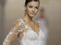 """""""Tattoo lace"""": La nueva tendencia con efecto tatuaje en los vestidos de novia"""