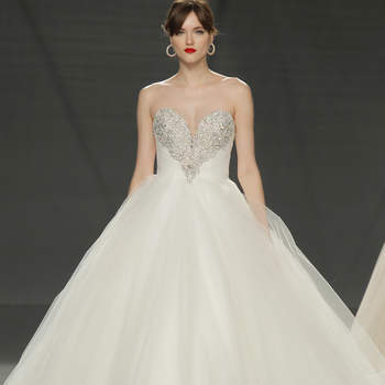 Demetrios. Credits- Barcelona Bridal Fashion Week