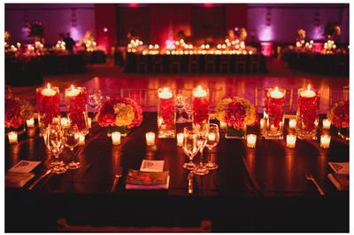 Incorpore as velas na decoração romântica do seu casamento