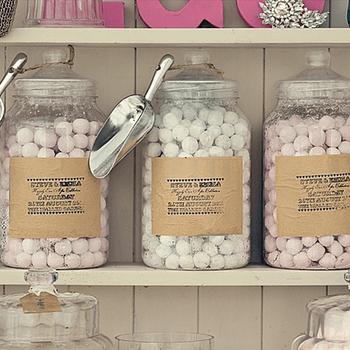 Detalles de los dulces que se ofrecieron a los invitados.