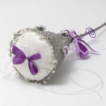 Portafedi a forma di fiore con gambo decorato di cristalli
