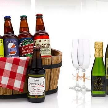 Vini e prodotti locali tipici per i vostri invitati, da personalizzare con etichette e packaging ad hoc. Foto via http://greenweddingshoes.com