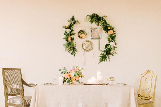 Decora tu boda con lindas guirnaldas - Foto Rylee Hitchner