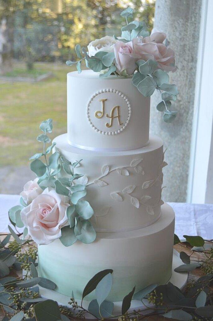 Bolo de casamento com pasta de açucar