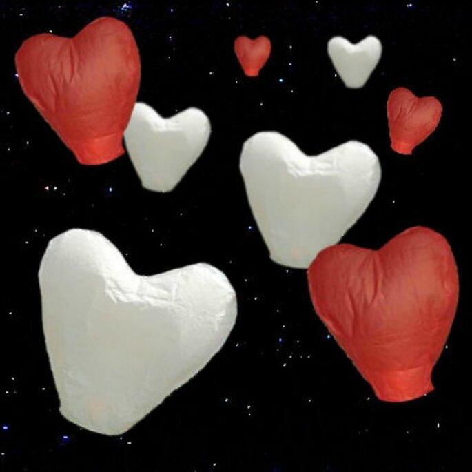 Lanternes volantes coeurs : quoi de plus romantique ? - Photo : Lanterne Mariage