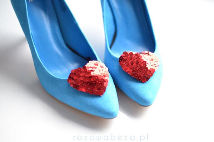 buty ślubne niebieskie z serduszkiem
