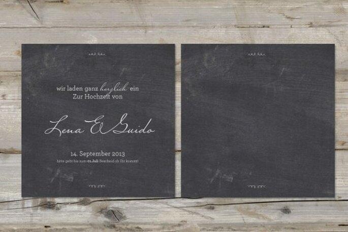 Hochzeitseinladungen und Tischkarten im Tafeldesign – Foto: madewithlove