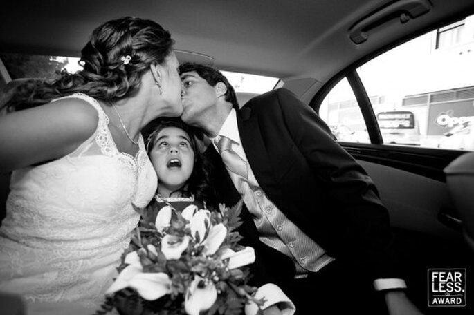 Besos de boda espontáneos.Foto: Virginia Gimeno
