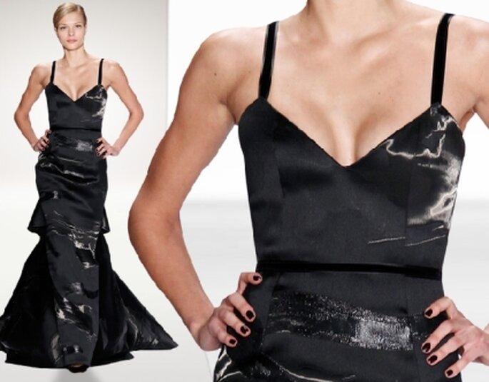 Vestido de noche jacquard en negro liquido.