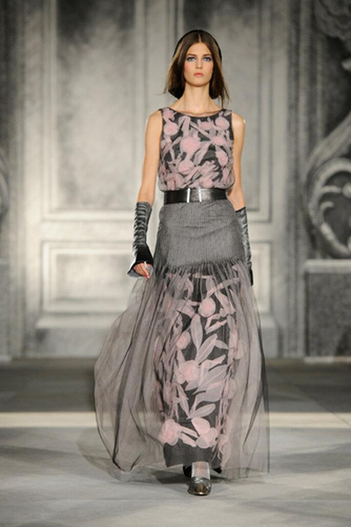 Kleider mit herbstlichen Charme findet frau ebenso in der Chanel-Kollektion – Foto: Chanel Otoño Invierno 2013