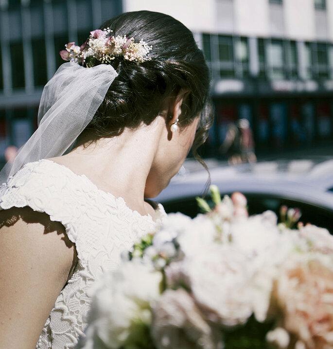 c0421ed1ed 10 peinados perfectos para sujetar el velo de novia