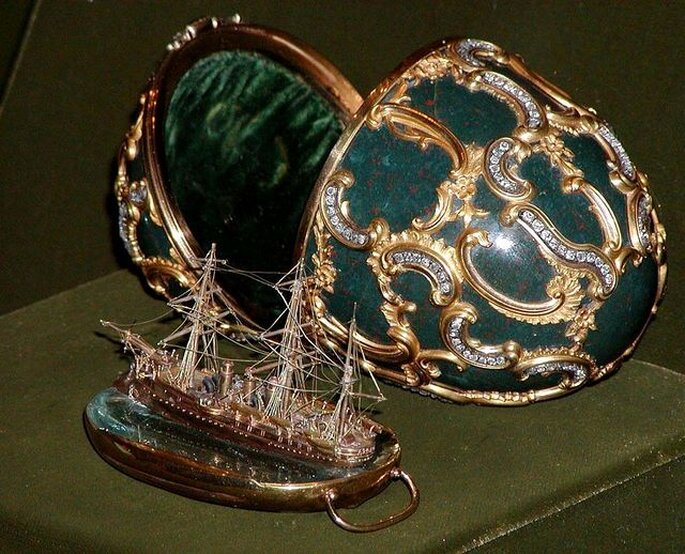 "Huevo Fabergé ""Memoria de Azov"". Museo de la Armada de Moscú. Foto: www.wikipedia.org - Stan Shebs"