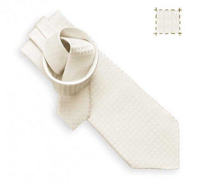 Die elegante Krawatte für den Bräutigam. Hier: Hermès, Modell Faconée aus Seide.