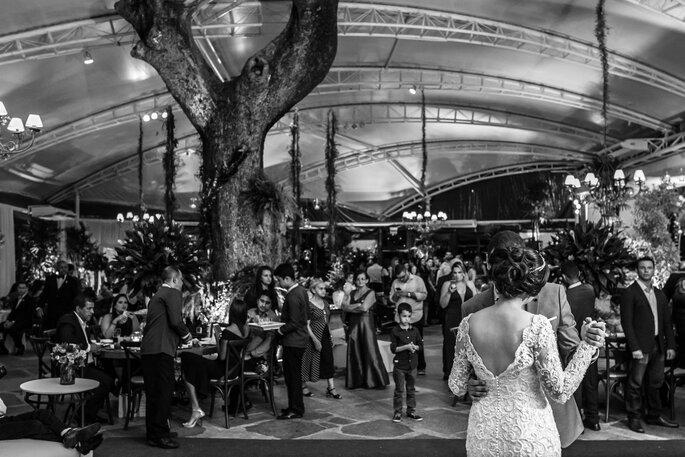 Local da cerimônia e da festa: Zéfiro Eventos - Foto: Lentes Claras Fotografia