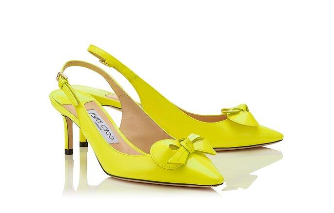 Zapatos de novia de color amarilla, tacón bajo